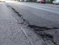 Zeci de gropi pe autostrada Bucuresti-Pitesti: Unele au fost plombate cu apa in ele