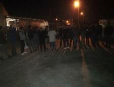 Zeci de migranti prinsi de politisti la Timisoara, intr-o tabara improvizata si in Complexul Studentesc