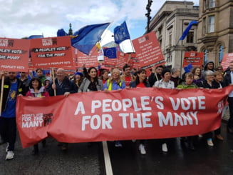 Zeci de mii de britanici pro-europeni se aduna la Londra ca sa impiedice Brexitul