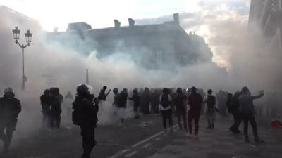 Zeci de mii de oameni în stradă în Franţa, Austria şi Turcia faţă de măsurile de restricție din pandemie