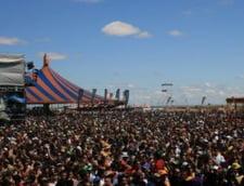 Zeci de mii de participanti la Monegros Desert Festival in Spania (FOTO)