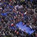 Zeci de mii de polonezi au ieșit la proteste pentru a sprijini apartenenţa țării la Uniunea Europeană