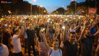 Zeci de mii de romani au iesit iar in strada: Nu plecam pana nu plecati! Demisia! (Foto & Video)