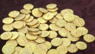 Zeci de monede de aur dacice, recuperate din Italia