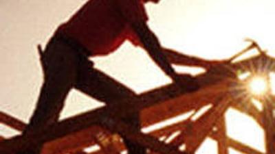 Zeci de muncitori romani blocati in Libia: Au ajuns sa caute mancare in gunoaie
