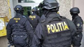 """Zeci de percheziții în Prahova într-o anchetă privind """"vaccinari la chiuvetă"""". Sunt vizate mai multe centre medicale"""