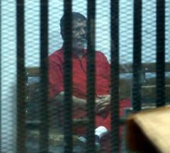 Zeci de persoane, inclusiv jurnalisti, condamnate la moarte pentru protestele din 2013, in Egipt