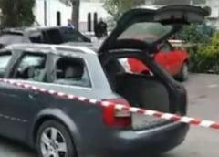 Zeci de persoane s-au batut cu topoarele in fata Politiei dintr-o localitate de langa Pitesti