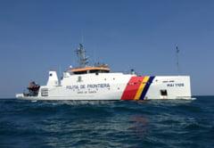 Zeci de refugiati, gasiti intr-o barca langa Vama Veche (Video)