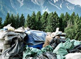 Zeci de voluntari strang gunoaiele de la Cota 1500, din Sinaia