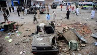 Zi sangeroasa in Pakistan: zeci de morti, in timpul vizitei premierului britanic