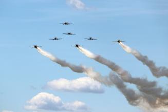 Ziua Aviatiei Romane - Spectacol aerian in Piata Aviatorilor din Capitala, cu zeci de aeronave militare