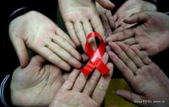 """Ziua Mondiala de Lupta Impotriva HIV/SIDA va fi marcata si la Suceava printr-o dezbatere ce are ca tema """"HIV-SIDA, o problema a comunitatii"""""""