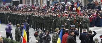 Ziua Nationala la Iasi: Mii de oameni la parada militara. S-au cerut salarii restante si unire