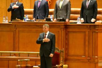 Ziua in care Iohannis a devenit presedinte. PSD - domnisoara de onoare, niciodata mireasa Reportaj foto