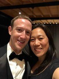Zuckerberg a devenit al treilea cel mai bogat om din lume si aduce o premiera istorica