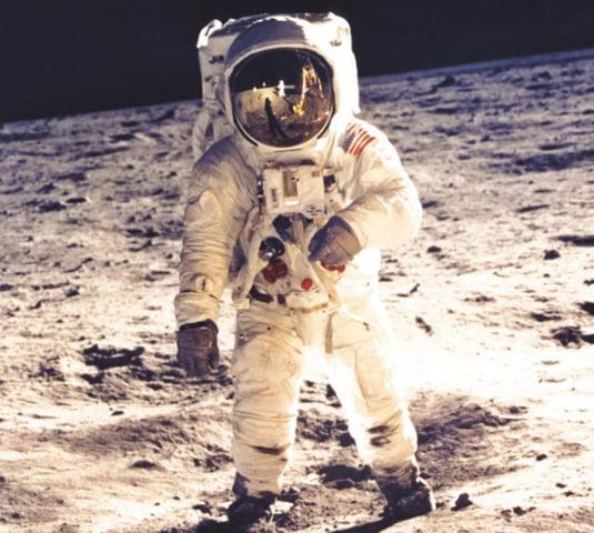 Image result for astronauti imagini