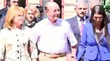 Basescu voteaza alegeri