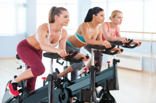 bicicleta fitness te ajuta sa slabesti)
