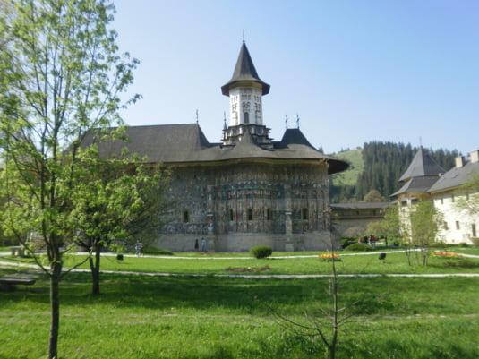 Care sunt cele mai frumoase biserici si manastiri din Romania?