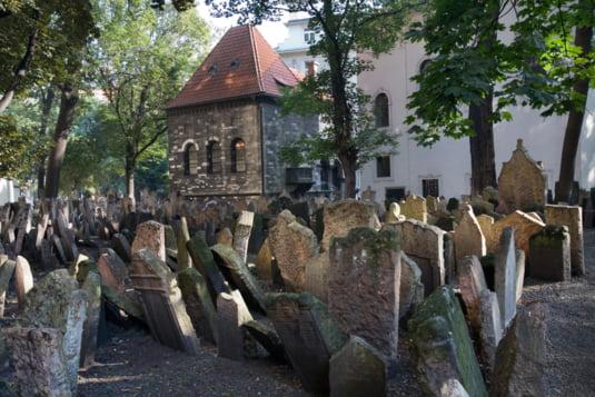 Cimitir vechi evreiesc
