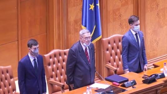 """Cine este deputatul AUR care a vrut sa inchida sedinta Camerei Deputatilor pe motiv ca este obosit: un traseist de marca, cu 7 partide """"la activ"""""""