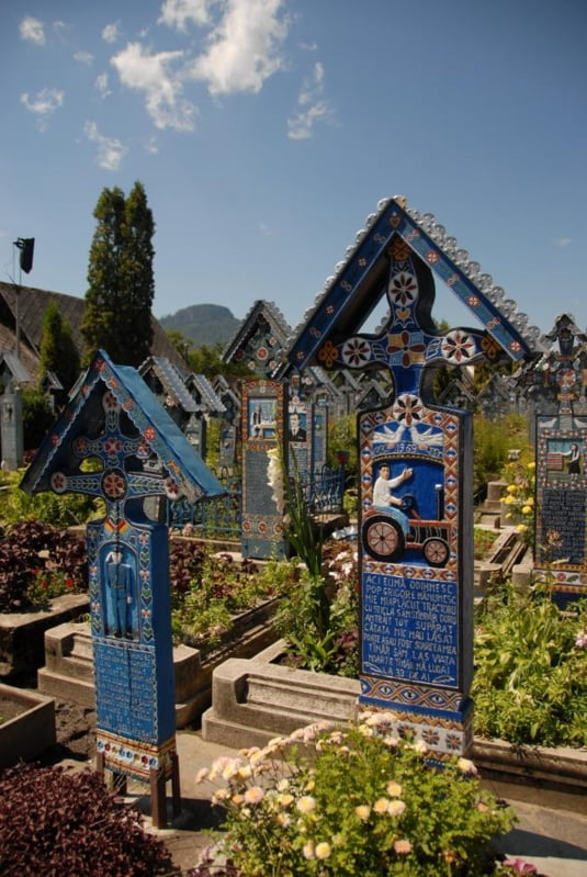 Cruci in Cimitirul Vesel de la Sapanta