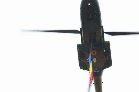 Elicopter parada Arcul de Triumf