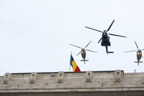 Elicoptere parada Arcul de Triumf