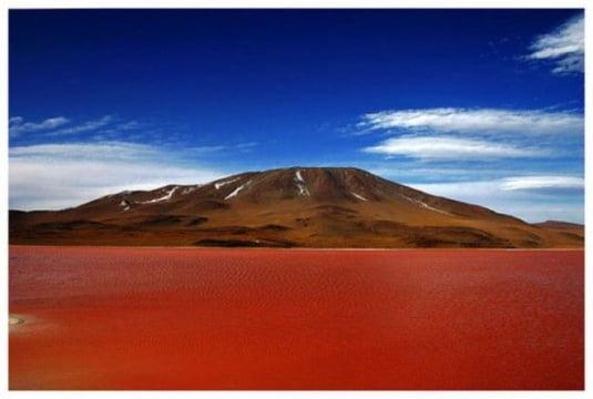 lac apa rosie