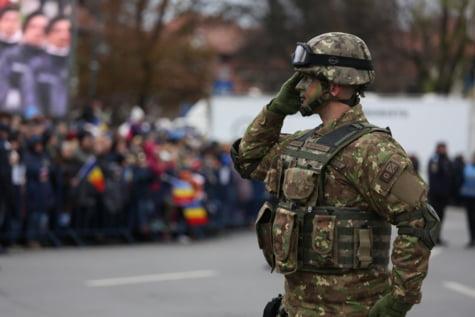 Militar defilare Arcul de Triumf