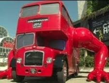 nu vrem stire, avem varianta video, graitoare - Olimpiada de la Londra: Vezi autobuzul cu brate groase, articulate, facand flotari (Video)