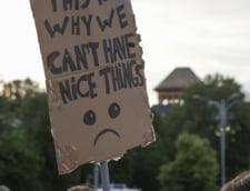 pancarta protest CCR Kovesi