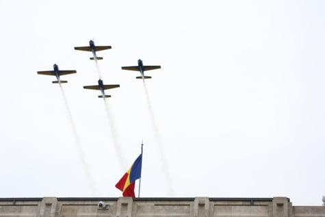 Parada avioane Arcul de Triumf
