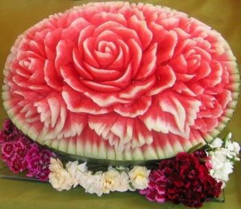 pepene sculptat forma trandafir