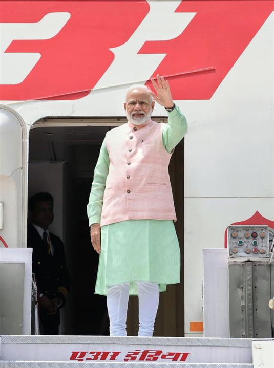 Premierul Indiei, fotografiat la sosirea la summitul G7 de la Biarritz