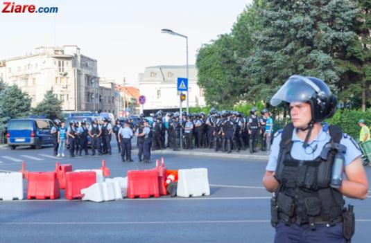 Proteste Piata Victoriei, separatoare lasate pentru atacul huliganilor