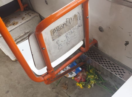 ratb tramvai murdar flori