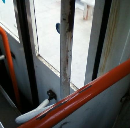 ratb tramvai murdar maner
