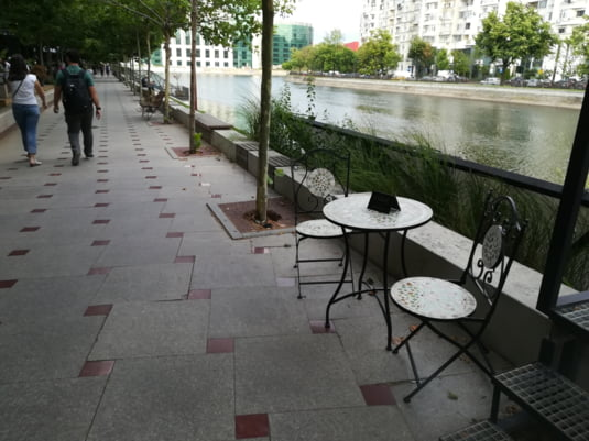 Restaurantele au inceput deja sa isi amenajeze mese si pe promenada
