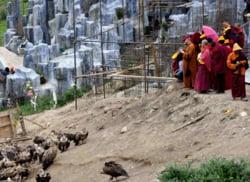 Ritual de inmormantare in Tibet