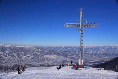 Imagini pentru crucea din straja