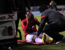 stire de o saptamana - O accidentare de cascadorii rasului, cum rar vezi pe terenurile de fotbal (video)