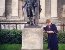student Trafalgar Square