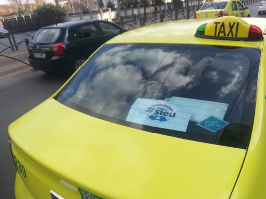 Taximetrist vrea autostrazi