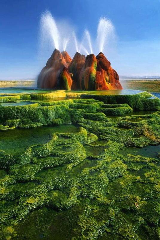 Картинки по запросу 1. Gheizerul colorat, Nevada, SUA