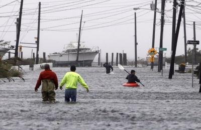 Uraganul Sandy face ravagii in SUA - cel putin 14 morti