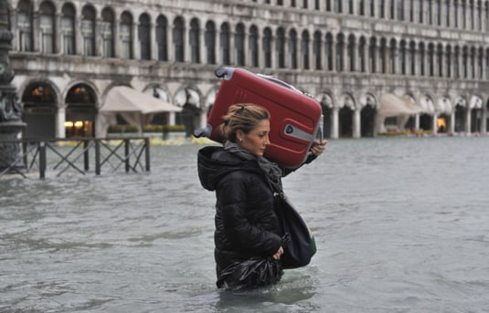 [Imagine: venetia-inundatii.jpg]